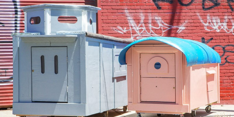 gregory-kloehn-turns-trash-into-vibrant-houses-for-the-homeless-designboom-10