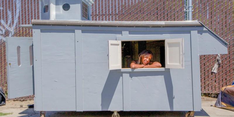 woman_in_kloen_house_1-_oakland_by_brian_reynolds_ea7a7111ae87f879806908dc0fc17fc5